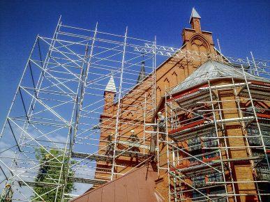Rusztowania Layher Allround - CUBE kościół św. Kazimierza Kartuzy 2